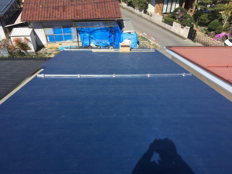 コロニアルの屋根改修工事は、屋根工事老舗の鋼商コウショウにお任せ下さい。