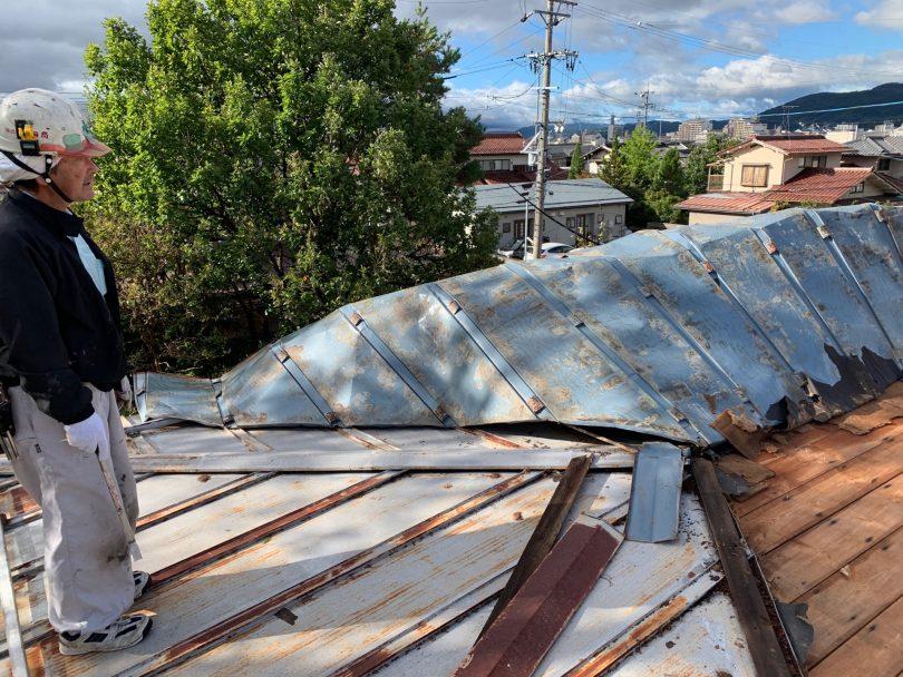 台風による屋根の被害の修繕作業は長野市鋼商コウショウにお任せ下さい。