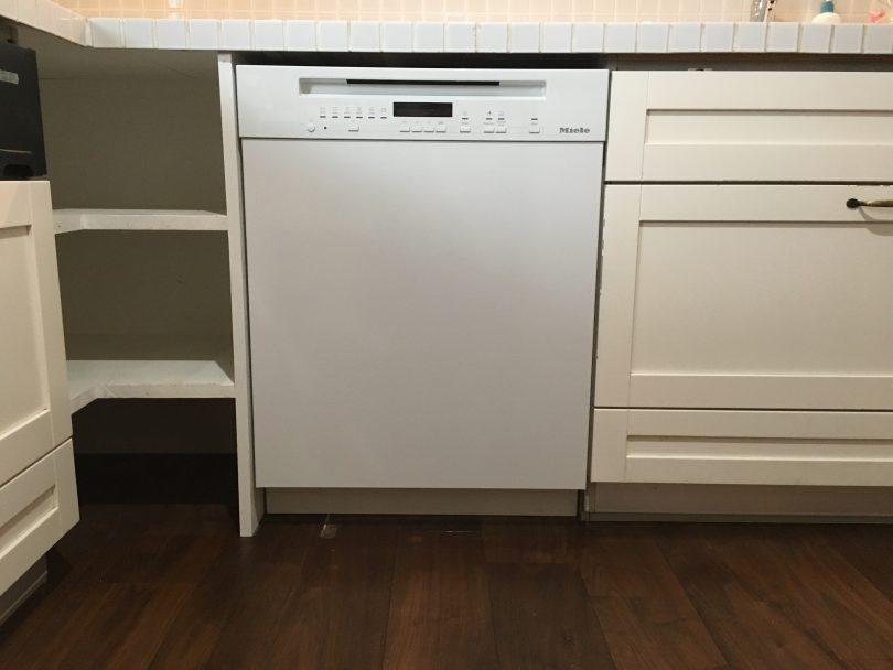 長野市でミーレの食洗機の交換、新築キッチン