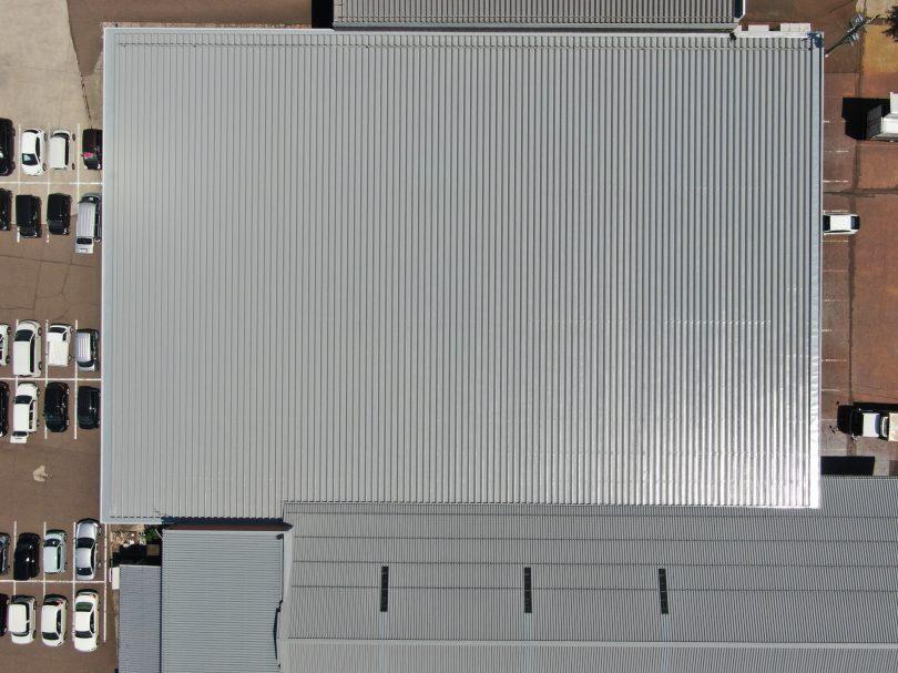 屋根塗装もコウショウ鋼商の得意分野です。