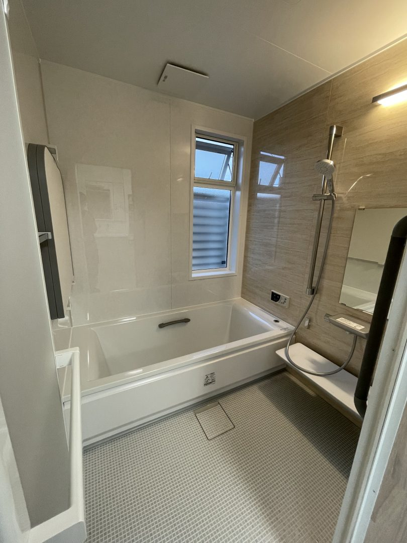 寒いお風呂のリフォームTOTOとYKKの窓で断熱、結露対策、おしゃれリフォーム