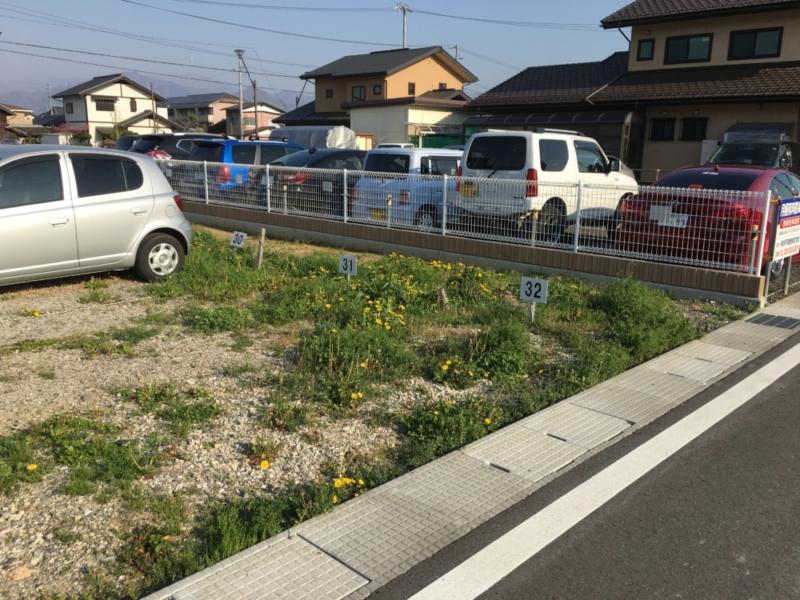 長野市の鋼商では住宅のリフォームだけでなく、フェンスやカーポートなどのエクステリア工事も行っております、駐車場の整備やお庭の手入れもお任せください。